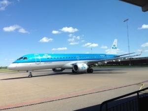 klm embraer 190