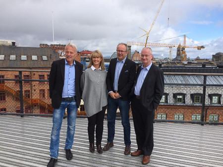 Norrköping klättrar 100 placeringar Med på bilden från höger: Martin Andreae, kommundirektör, Pontus Lindblom, näringslivsdirektör, Anna Amrén, chef bygg- och miljökontoret och Reidar Svedahl (L), kommunalråd