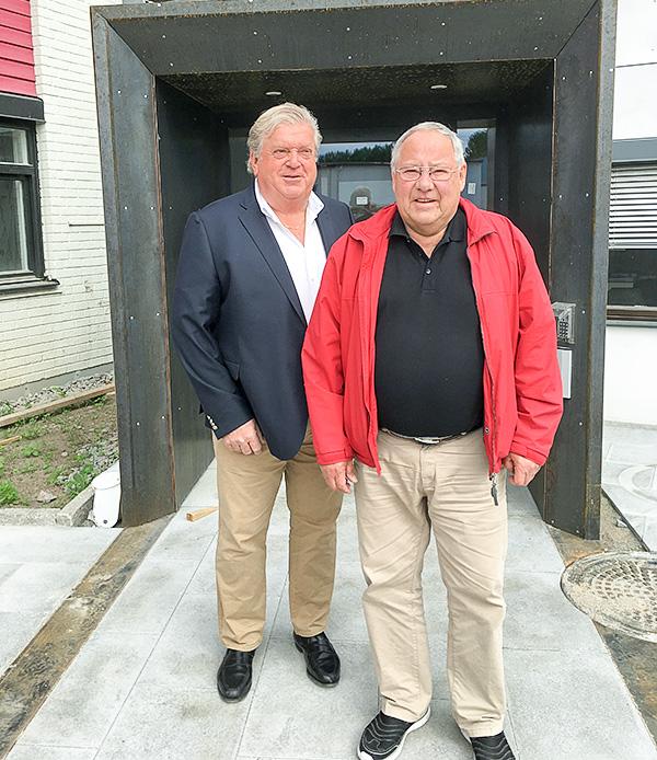 Konkurrenterna som blev kompanjoner firar 30 år tillsammans. Leif Åhlin (vänster) & Gösta Ekeroth (höger) grundare till Åhlin & Ekeroth Byggnads AB