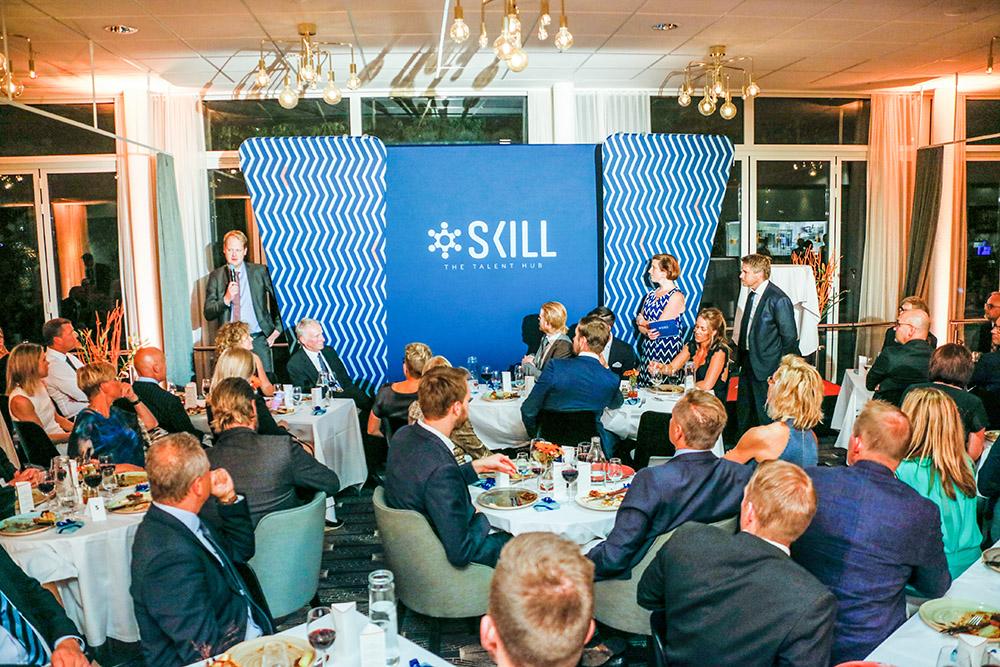 Nu enas vi under ett gemensamt och mer inkluderande varumärke, berättar Skills marknadschef Ronnie Lock (t v), flankerad av vice vd Elin Hultman och vd Jüri Pett.