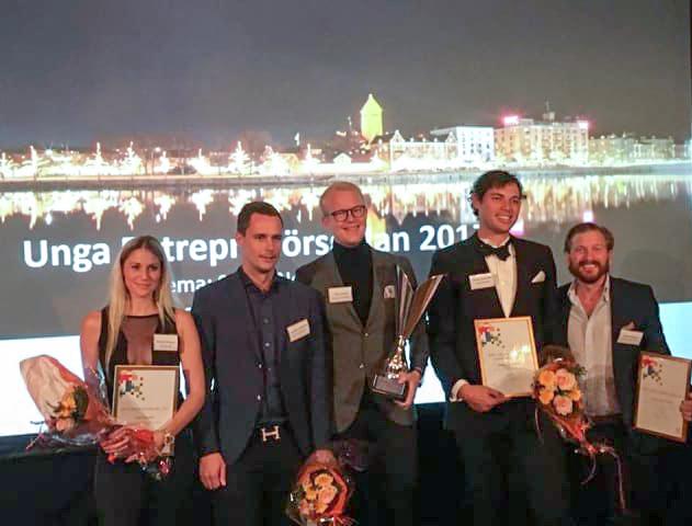 Strålkastarna på unga entreprenörer i Norrköping. Med på bilden från vänster: Emelie Rengart, Joachim Lindström, Filip Ummer, Gustav Gyllensten och Christoffer Sjögren.