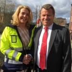 Charlotta Sund ny vd Tekniska verken Bild: Charlotta Sund, ny vd och koncernchef för Tekniska verken i Linköping tillsammans med avgående vd Anders Jonsson.