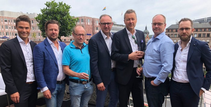 Från vänster: Johan Åkerlund, VD Solid Park, Paul Rönnberg, Bas Invest, Anders Ståhlbom, Exeo, Magnus Larsson, VD Exeo, Christer Berlin, försäljningschef Solid Park, Kenth Forsberg, Exeo, Robert D'Agostino, Bas Invest