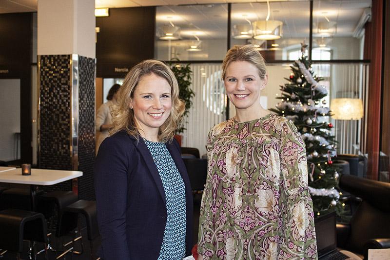 Handelskammaren får ny ansvarig för näringspolitik.  Maria Björk Hummelgre, ny Ansvarig för tillväxt och analys och Johanna Plamér, vd Östsvenska Handelskammaren.  Fotograf Ulrika Andåker