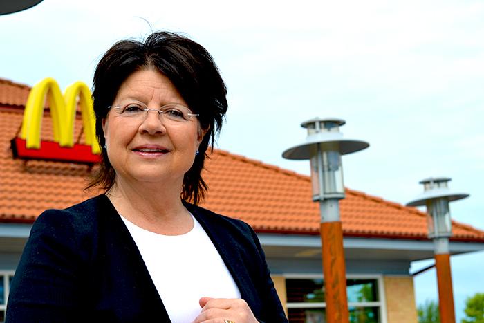 Carina Eriksson – Jag lånar mitt folk en tid, de stannar inte för evigt