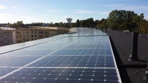 Vallacom täcker hustaken med solceller