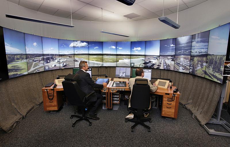 Linköping/Saab flygplats trafikleds nu på distansDärmed är den tredje svenska distansledda flygplatsen etablerad vid kontrollcentralen i Sundsvall.