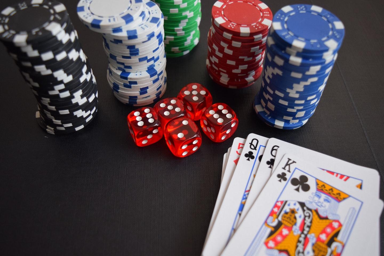 Vad är den främsta anledningen till att man spelar casino?